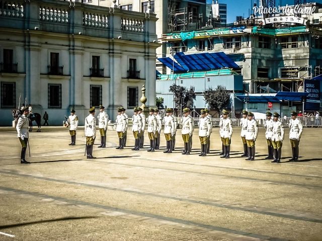 Plaza la Constituición, troca de guarda, Santiago