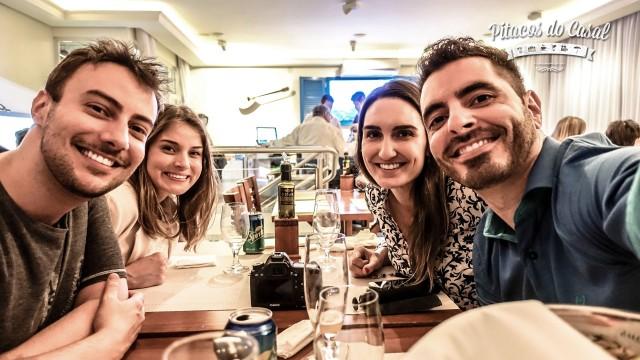 Clientes satisfeitos - Thiago, Carol, Jo e Marcos