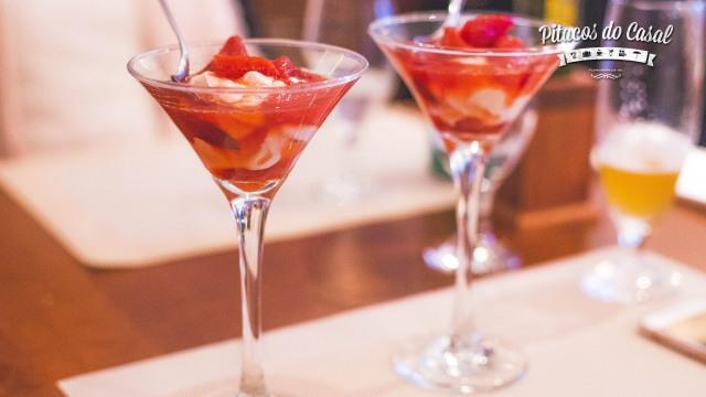 Delícias de Zakynthos (iogurte com frutas vermelhas)