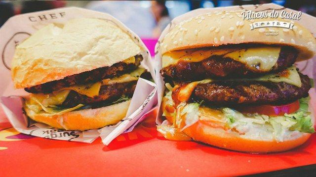 Burger Break Chef no pão crocante e no pão macio.